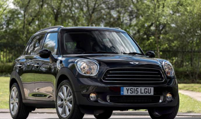 Mini Countryman Cooper D Bussines introduced in UK