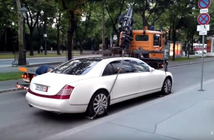 BIG FAIL: Tow truck versus Maybach 62S