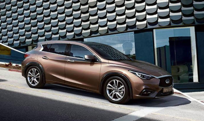 Infiniti Q30 revealed in another photo
