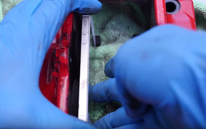 These guys are using iPhones as brake pads for Porsche 911