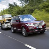 Land Rover Transparent Trailer and Cargo Sense detailed