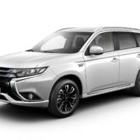 Mitsubishi Outlander PHEV updated also in Europe