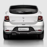 2016 Renault Sandero RS - Here is the French-Romanian hot hatch