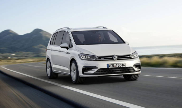 Volkswagen Touran R-Line package introduced