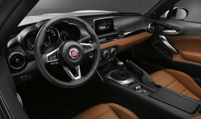 Fiat 124 Spider finally unveiled