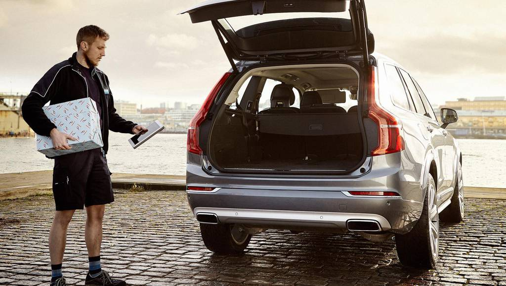 Volvo In-car Delivery launched for Chrystmas