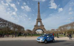 Hyundai ix35 Fuel Cell offered as a taxi in Paris