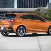 2017 Chevrolet Cruze Hatchback - Official pictures and details