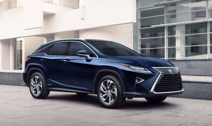 Lexus recalls 5000 units of the 2016 RX50 and RX450h
