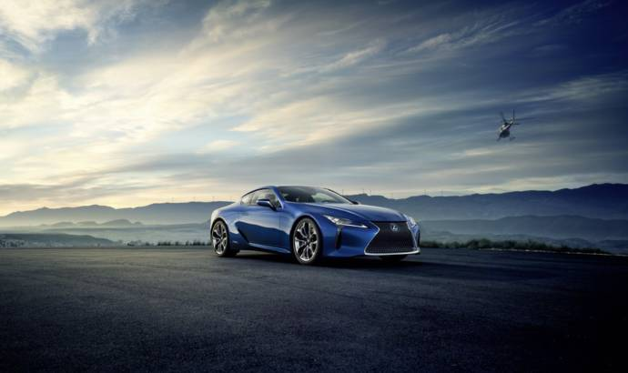 2016 Lexus LC 500h - Official pictures and details