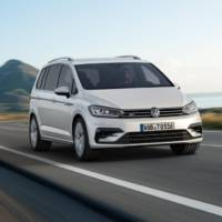 2016 Volkswagen Touran R-Line introduced
