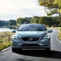 2016 Volvo V40 facelift - Official pictures and details