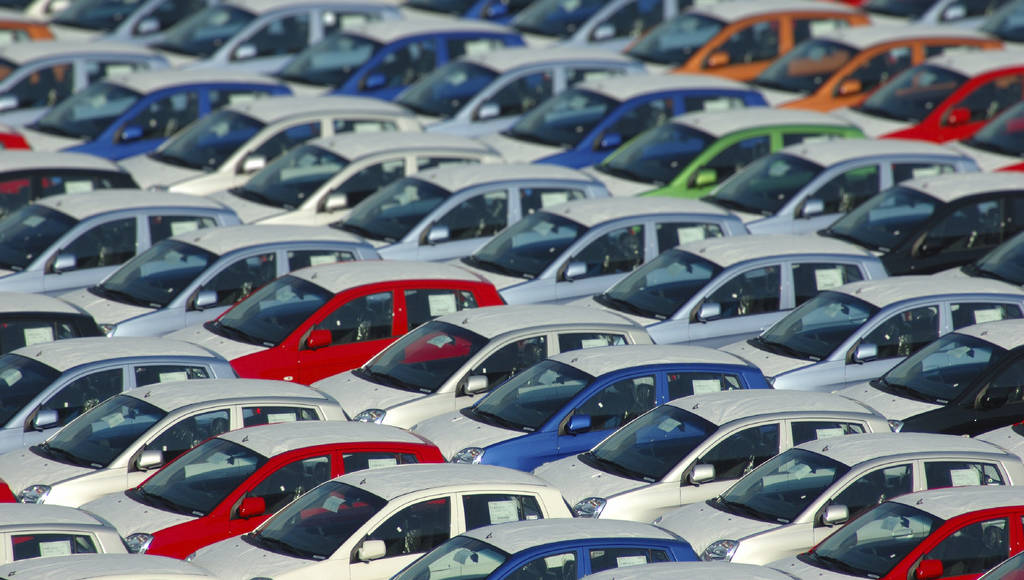 European new car market exceeded 14 million units sold in 2015