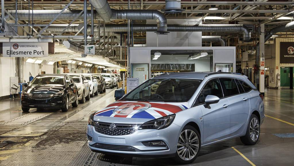 Vauxhall Astra Sports Tourer entered production in the UK