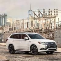 2017 Mitsubishi Outlander PHEV ready to tackle US market