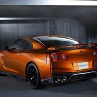 2017 Nissan GT-R facelift unveiled