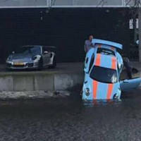 This Porsche 911 GT3 RS was dropped in water