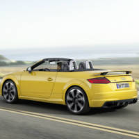 2016 Audi TT RS Coupe and Roadster - Pictures and details