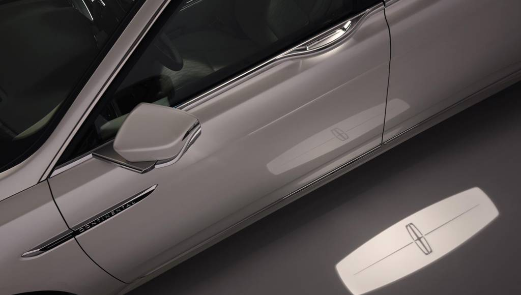Lincoln Continental features Approach Detection technology