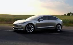 Tesla Model 3 - 325.000 pre-orders in one week