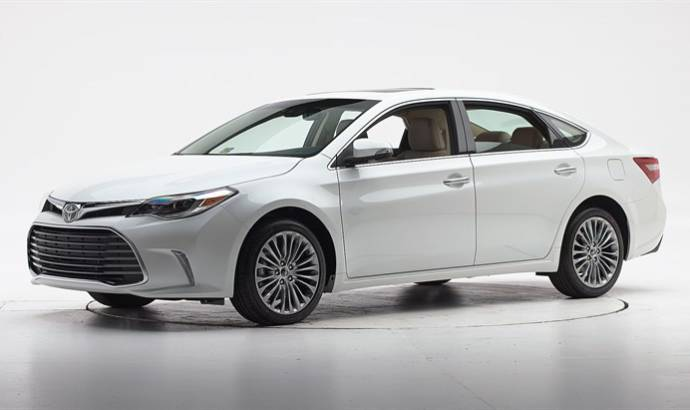 Toyota recall Avalon and Camry in the US