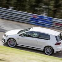 2016 Volkswagen Golf GTI Clubsport S is a Nurburgring record breaker
