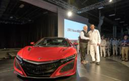 2017 Acura NSX reaches its first client