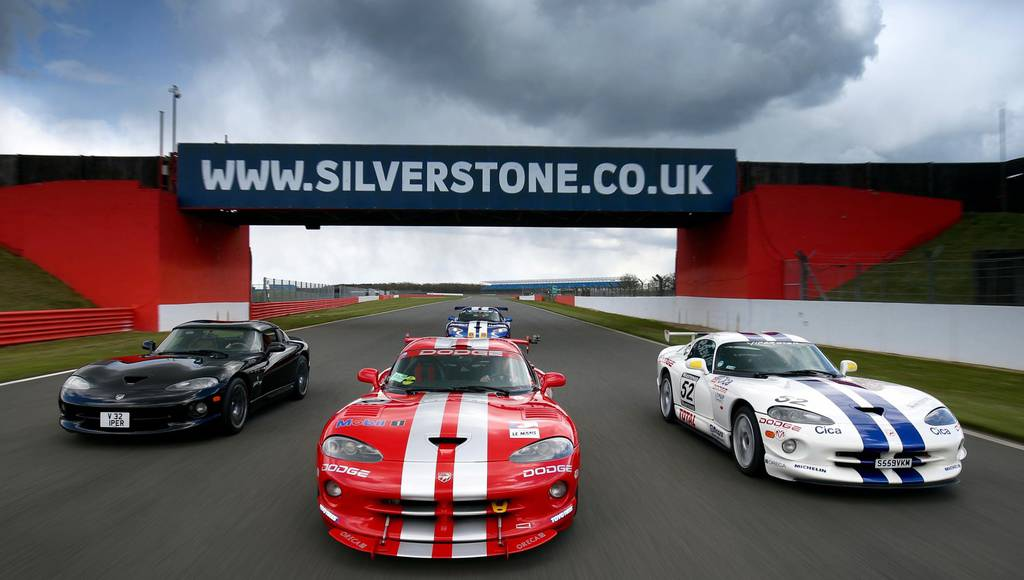 Dodge Viper largest parade to be held at Silverstone