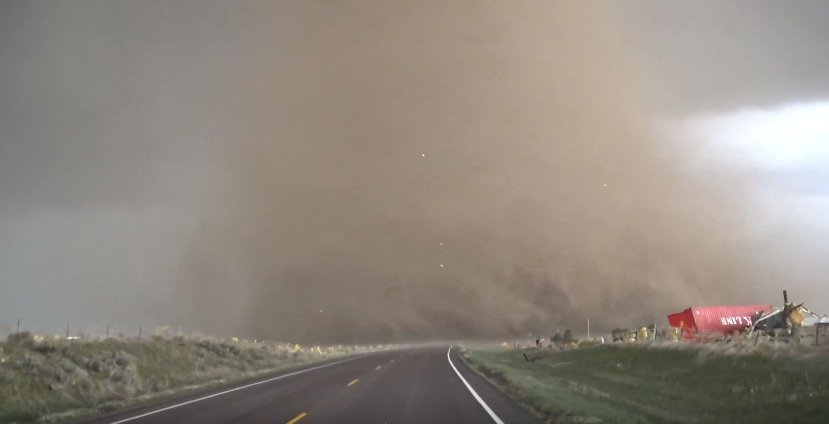 Extreme up-close video of a tornado (Video)