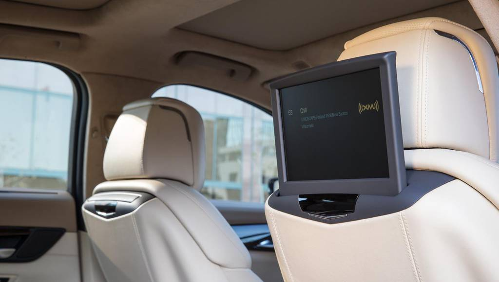 2016 Cadillac CT6 receives rear-seat entertainment system