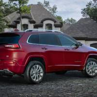2016 Jeep Cherokee Overland introduced