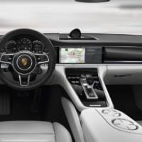 2017 Porsche Panamera officially unveiled