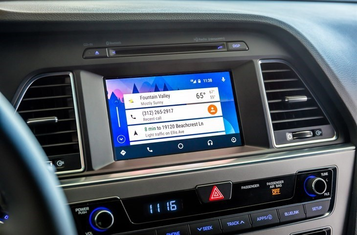 Hyundai offers smartphone integration on its older models