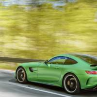 2017 Mercedes-AMG GT R - Official pictures and details