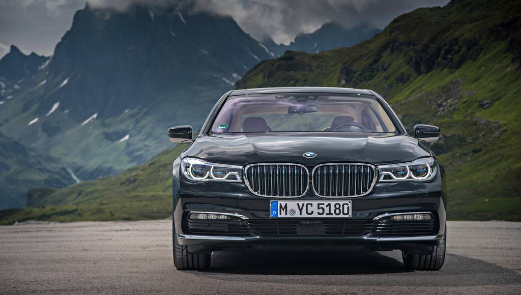 2017 BMW 740Le xDrive introduced in UK