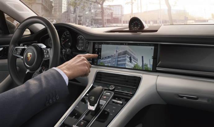 Porsche Connect and Porsche Communication Management detailed