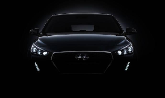 2017 Hyundai i30 first teasers arrive early