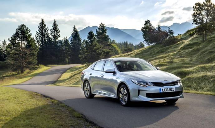 2017 Kia Optima PHEV officially launched in UK