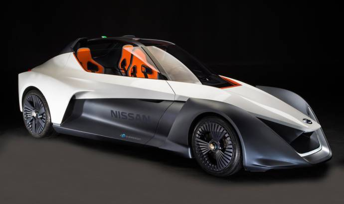 Nissan BladeGlider introduced to the public