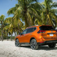 2017 Nissan Rogue facelift unveiled