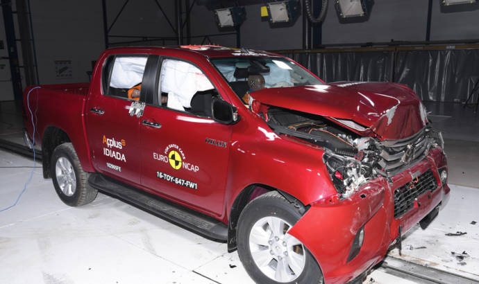 EuroNCAP awards five stars o Renault Scenic and Subaru Levorg
