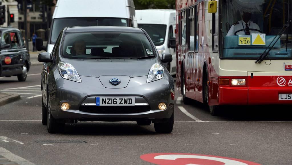 Nissan Leaf joins Uber fleet in UK