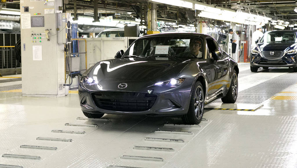 Mazda MX-5 RF - Production started in Japan