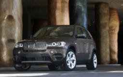 BMW is recalling 136.000 vehicles for fuel leaks and engine stalls
