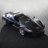 Ferrari LaFerrari Aperta convertible gets detailed