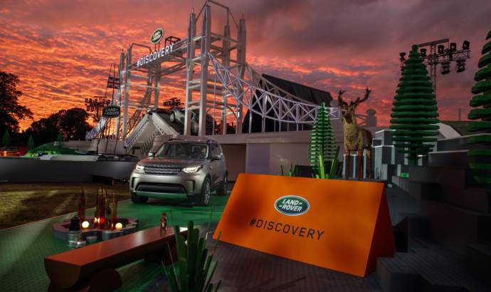 Land Rover Discovery unveiled on a Lego version of Tower Bridge