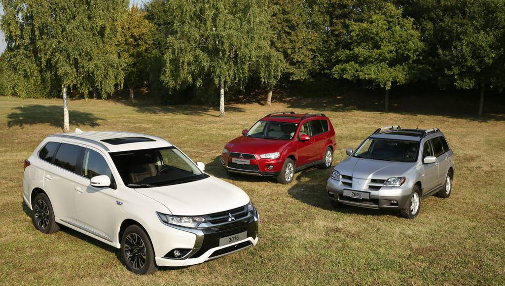 Mitsubishi Outlander reaches 15 years since birth