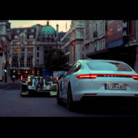 Porsche Panamera 4 E-Hybrid rides along the 919 Hybrid through London