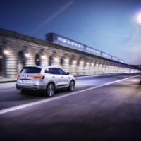 Renault Koleos Initiale Paris unveiled