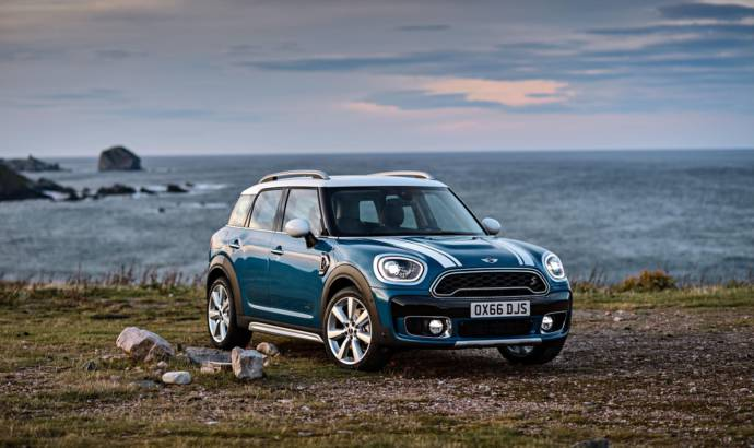 2017 Mini Countryman official images and details
